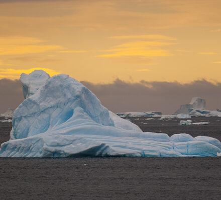 Punta Arenas / Embark in King George Island