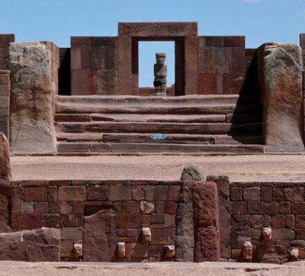 Colchani (Uyuni) – Tiwanaku – La Paz (Altitude Range 3700-4000m)