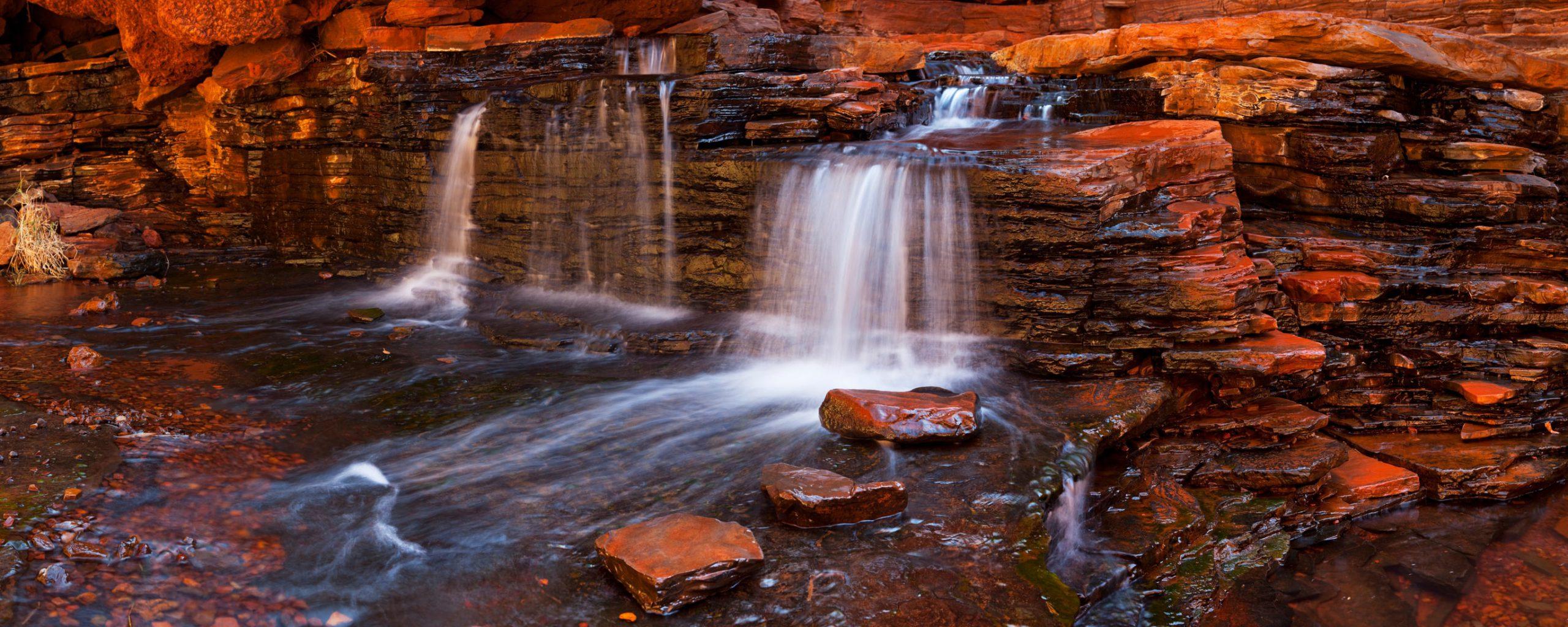 Small waterfall in the Hancock Gorge, Karijini NP