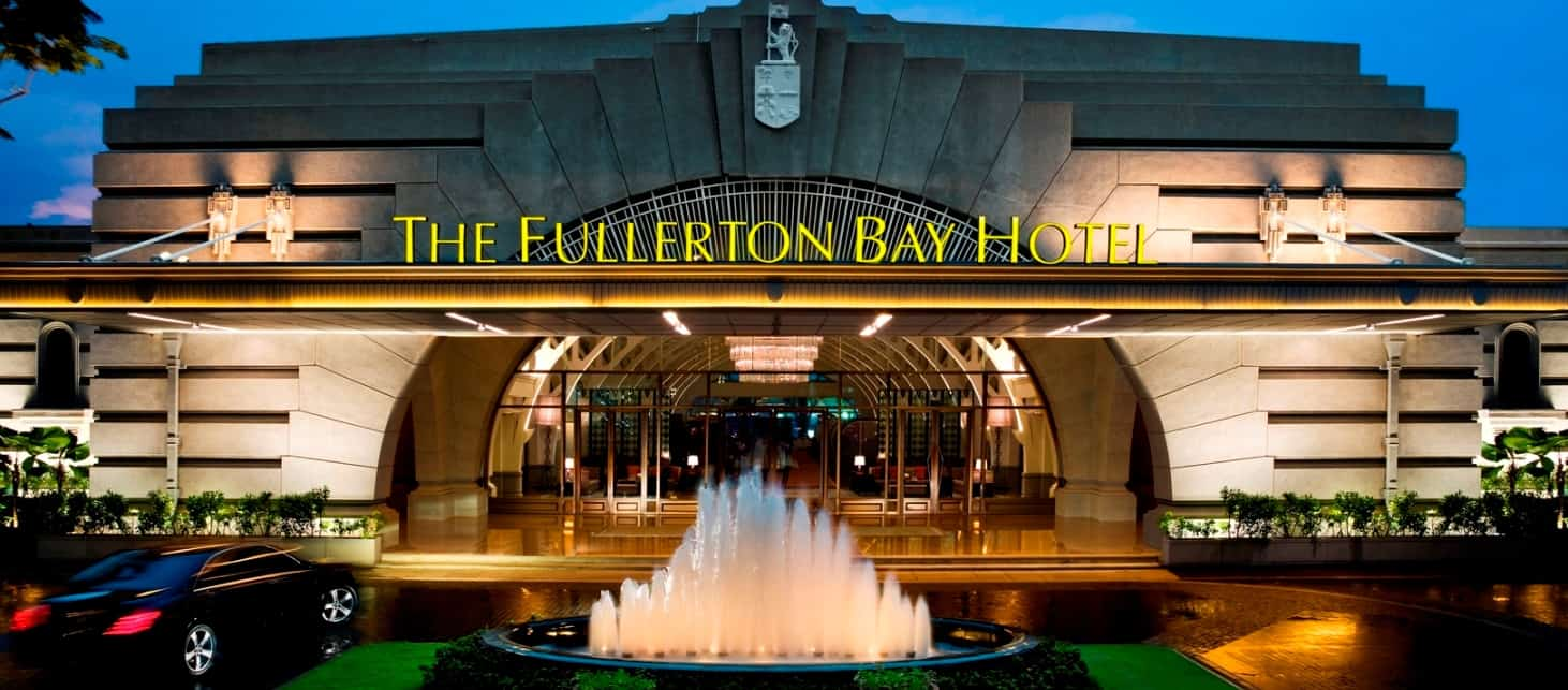 Fullerton Bay - Facade (Night)